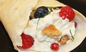 Sweet wrap with elderflower mascarpone cream